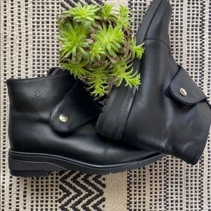 Blondo Waterproof fur lined booties